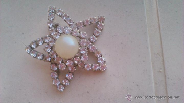 Joyeria: Antiguo broche en forma de estrella con circonitas y perla en el centro. - Foto 2 - 44024012