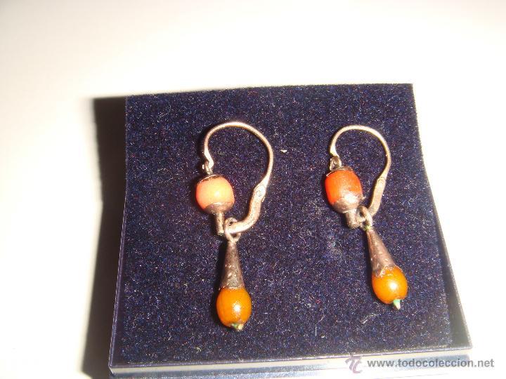 8029bee4be87 Pendientes antiguos de coral - Sold through Direct Sale - 44221681