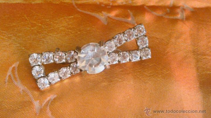 Joyeria: Precioso broche vintage,forma de lazo con pedrería. Años 40/50 - Foto 2 - 45231746