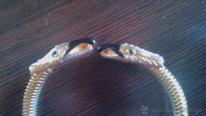Joyeria: Pulsera con dos cabezas de águila con cristales esmeralda en los ojos y blancos en las cabezas. - Foto 3 - 45330857