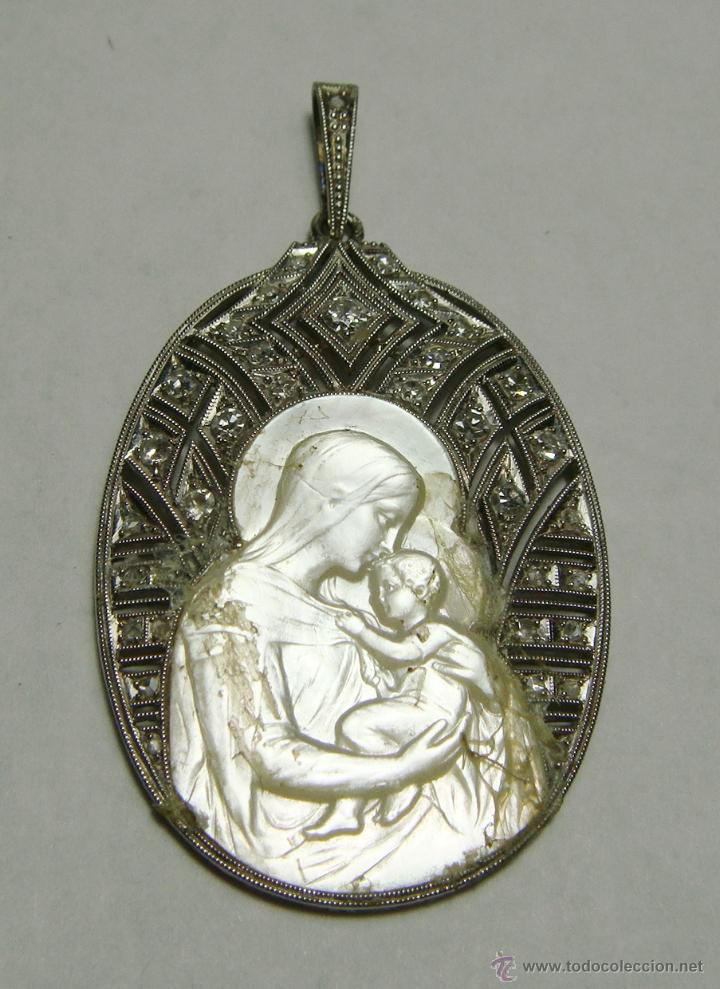 Joyeria: Precioso Colgante de Platino, Brillantes y Nácar. Virgen con Niño tallado sobre Nácar. - Foto 3 - 46422228