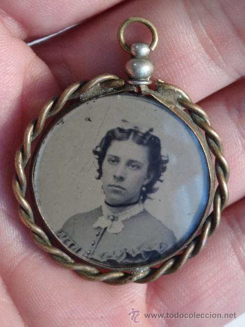 Joyeria: Portafotos joya colgante en bronce, con dos ferrotipos, siglo XIX - Foto 5 - 48462640