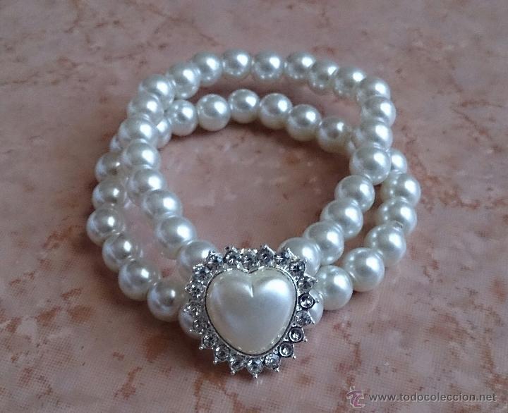 Joyeria: Pulsera de perlas de dos vueltas con corazón plateado y similes de circonita . - Foto 2 - 49404175