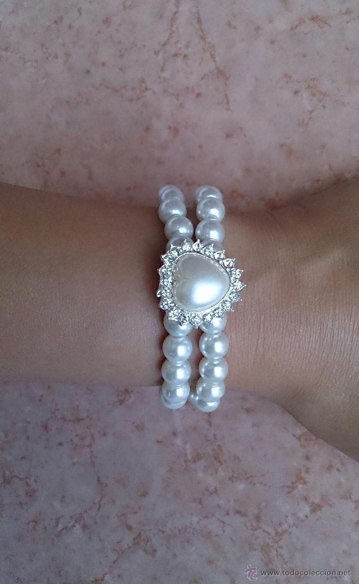 Joyeria: Pulsera de perlas de dos vueltas con corazón plateado y similes de circonita . - Foto 3 - 49404175