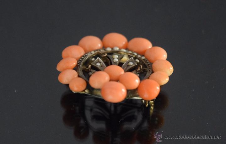 Joyeria: LIQUIDACION, antiguo Broche S. XIX con cuentas coral y perla fina natural en oro - Foto 3 - 53043963