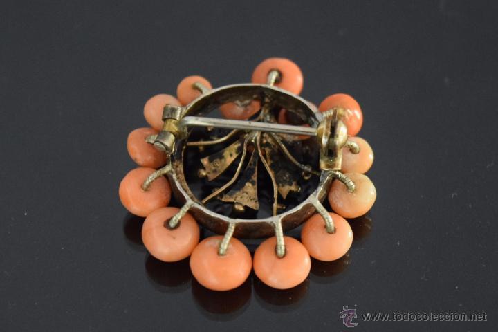 Joyeria: LIQUIDACION, antiguo Broche S. XIX con cuentas coral y perla fina natural en oro - Foto 5 - 53043963