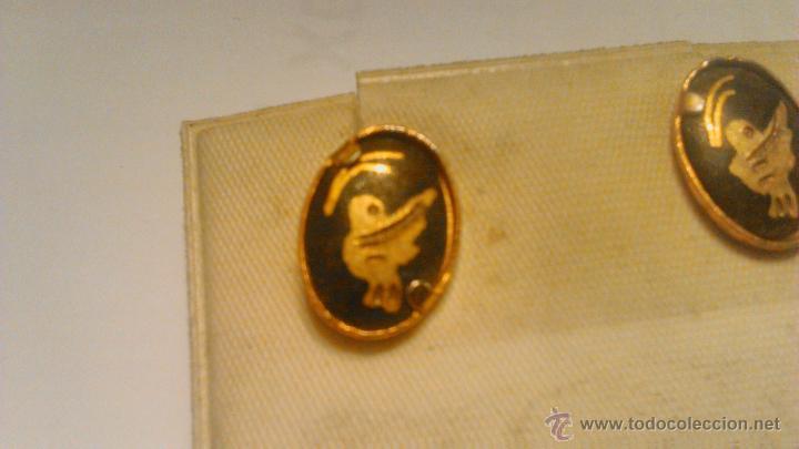 Joyeria: Antiguos pendientes de metal dorado lacado en negro con dibujo gravado.Años 80 - Foto 2 - 53104794