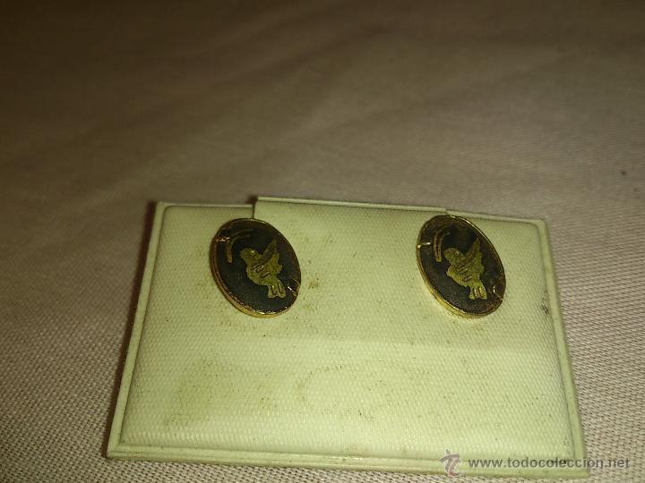 Joyeria: Antiguos pendientes de metal dorado lacado en negro con dibujo gravado.Años 80 - Foto 4 - 53104794