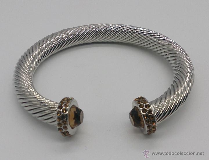 Joyeria: Elegante brazalete torneado con baño de rodio y piedras semipreciosas talladas color ambrar . - Foto 2 - 53467932