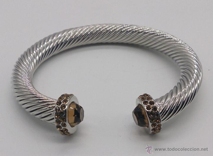 Joyeria: Elegante brazalete torneado con baño de rodio y piedras semipreciosas talladas color ambrar . - Foto 6 - 53467932