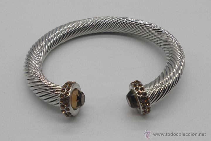 Joyeria: Elegante brazalete torneado con baño de rodio y piedras semipreciosas talladas color ambrar . - Foto 8 - 53467932