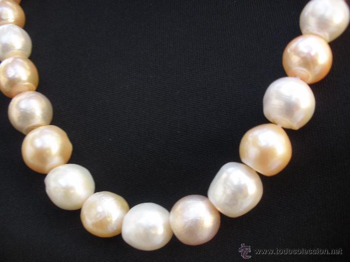 3ca0170c66b1 Magnífico Collar gargantilla de perlas cultivadas barrocas de color  nacarado y blancas 14 mm