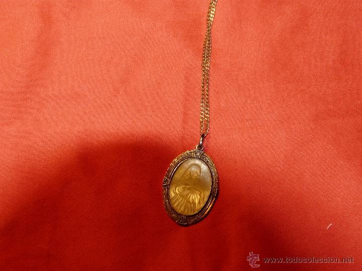 41ae473f8bc5 cadena de oro con medalla de oro y nacar tallad - Comprar Cadenas ...