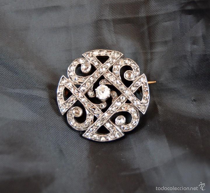ANTIGUO BROCHE DEL SIGLO XX EN ORO 18K PLATINO Y DIAMANTES BROOCH DIAMOND PLATINUM ORO 18K (Joyería - Broches Antiguos)