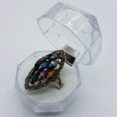 Joyeria - Gran anillo antiguo de estilo imperio en plata de ley contrastada y piedras semipreciosas engarzadas - 60114047