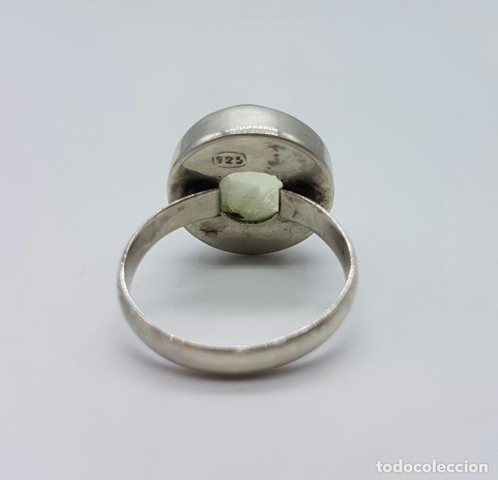 Joyeria: Anillo antiguo en plata de ley contrastada con gran cabujón de cuarzo verde ahumado . - Foto 4 - 63408372