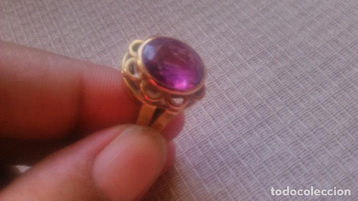 Joyeria: Antiguo anillo de oro de 18 k con topacio rosa engarzado. siglo xix - Foto 4 - 65023019