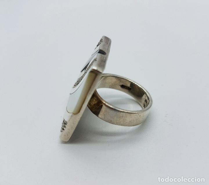 Joyeria: Bello anillo vintage en plata de ley contrastada, marquesitas, madreperla y azabache incrustado . - Foto 4 - 68263449