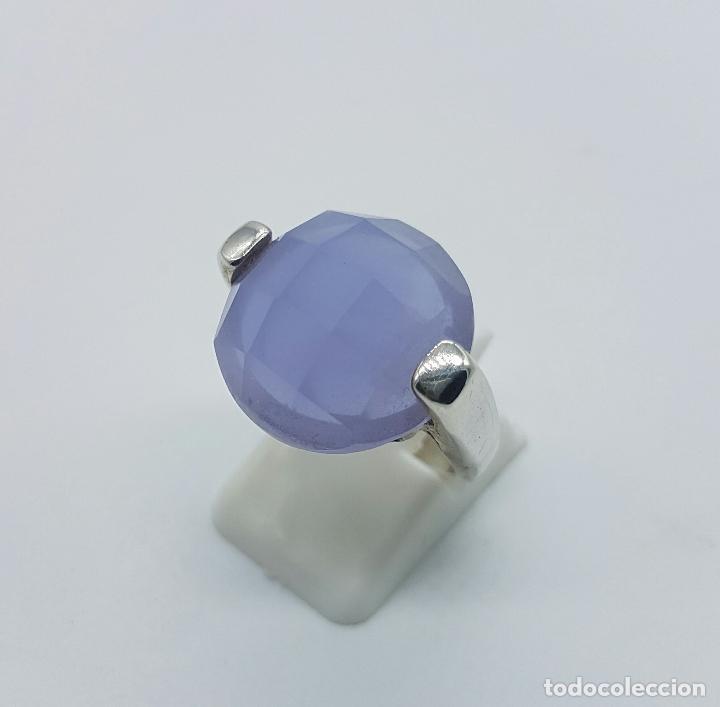 Joyeria: Magnífico anillo en plata de ley contrastada y cabujón de piedra semipreciosa malva faceteada . - Foto 2 - 68265837