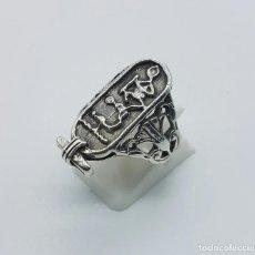 Jewelry - Gran anillo antiguo de cartucho con jeroglífico egipcio en plata de ley contrastada . - 68266249