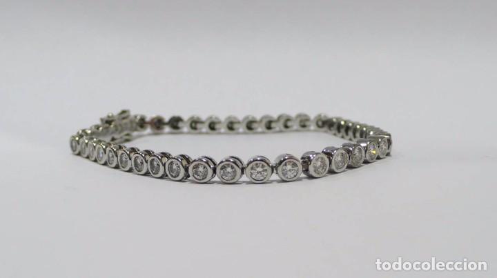 028594739c4b Pulsera Riviere en oro blanco 18k y diamantes en chatones ovalados 3