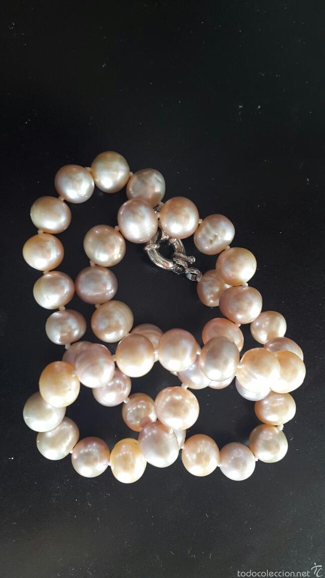 87396f91cb65 Collar de perlas cultivadas auténticas de color - Sold at Auction ...