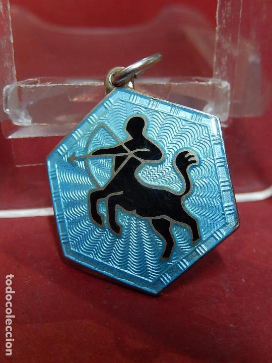Joyeria: Pequeña medalla o colgante. Signo del zodiaco Centauro. Plata. David Andersen. Noruega. - Foto 3 - 73516247