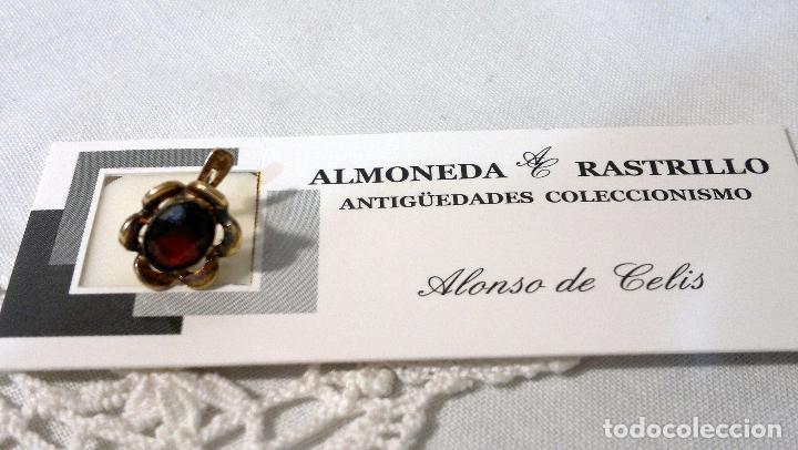 Joyeria: ANTIGUO Y BONITO PENDIENTE CON PIEDRA FACETADA DE COLOR ROJO. - Foto 2 - 74355647