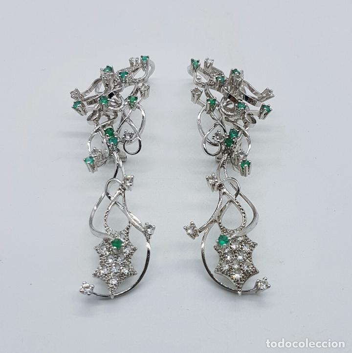 Joyeria: Impresionantes pendientes en plata de ley con acabado en oro blanco 18k, circonitas y esmeraldas . - Foto 2 - 75261231