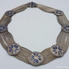 Schmuck - Impresionante gargantilla antigua en plata de ley con medallones cincelados y esmaltados en azul . - 76409599