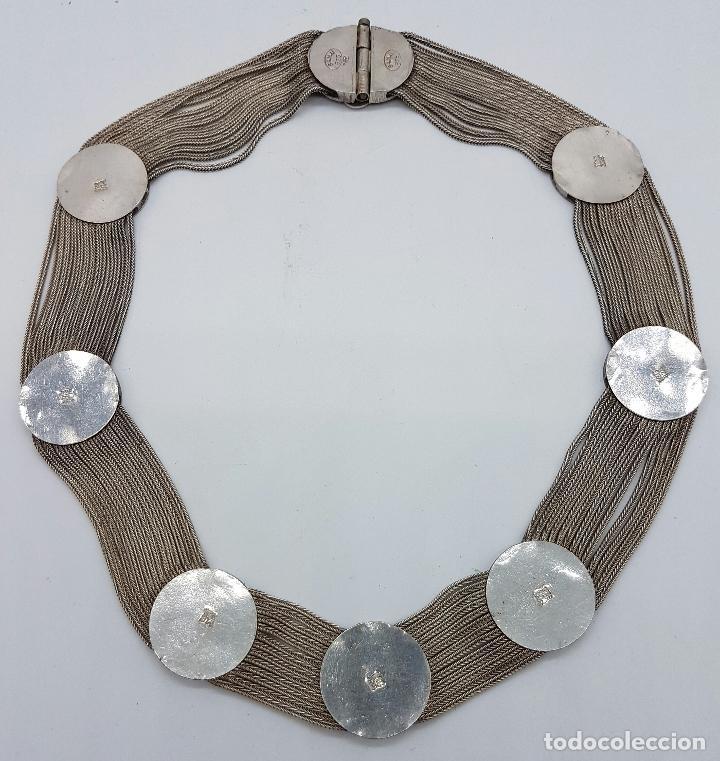 Joyeria: Impresionante gargantilla antigua en plata de ley con medallones cincelados y esmaltados en azul . - Foto 6 - 76409599