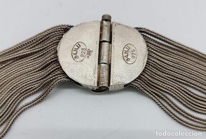 Joyeria: Impresionante gargantilla antigua en plata de ley con medallones cincelados y esmaltados en azul . - Foto 9 - 76409599