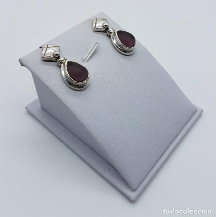 Joyeria: Pendientes antiguos en plata de ley con cabujón en cristal glace color amatista con forma de lagrima - Foto 3 - 77268385
