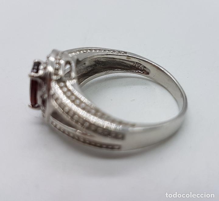 Joyeria: Gran anillo de estilo rococó en plata de ley contrastada con granates talla brillante y oval . - Foto 5 - 78186833