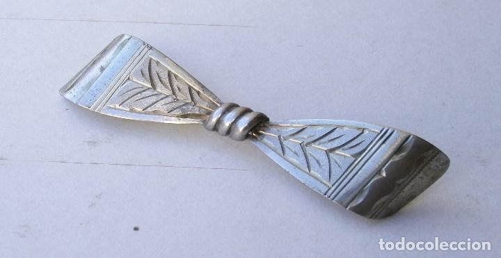 Joyeria: pequeño broche de plata 800 (6x1,5cm aprox) - Foto 2 - 80304617