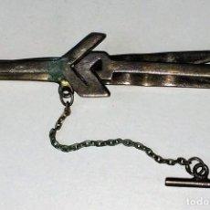 Joyeria: AGUJA-PISADOR DE CORBATA. METAL CHAPADO EN PLATA. ESPAÑA. CIRCA 1950. Lote 82319480