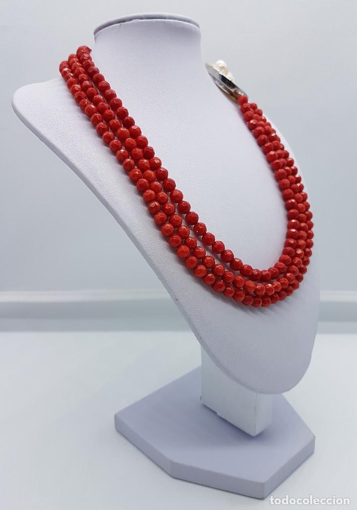 Joyeria: Magnífica gargantilla antigua tres vueltas en coral rojo facetado y perla cultivada en el cierre . - Foto 3 - 84833312
