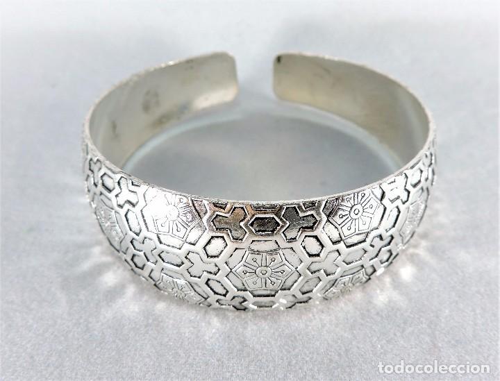 34e359837d9b Pulsera tipo brazalete rígido en plata 925