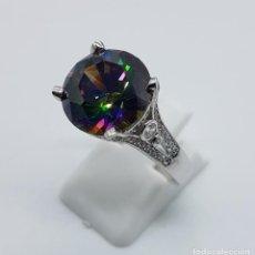 Joyeria - Impresionante anillo antiguo en plata de ley con circonitas y gran topacio místico talla diamante . - 130765548
