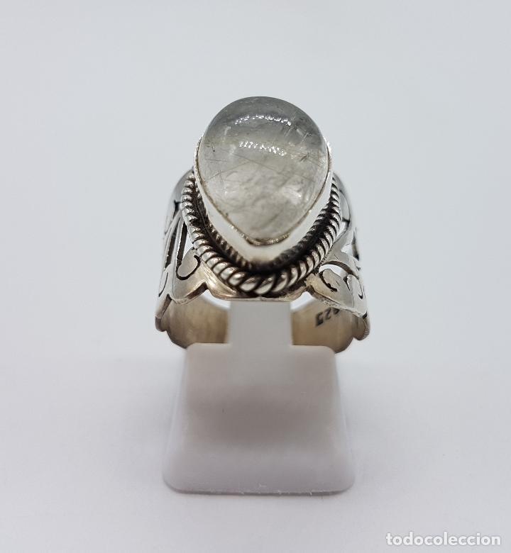 Joyeria: Magnífico anillo antiguo en plata de ley cincelada a mano con cabujón de cuarzo ahumado rutilado . - Foto 2 - 92113750