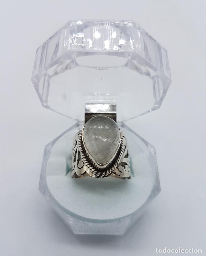 Joyeria: Magnífico anillo antiguo en plata de ley cincelada a mano con cabujón de cuarzo ahumado rutilado . - Foto 6 - 92113750
