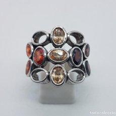 Joyeria - Espectacular anillo vintage en plata de ley contrastada, granates y topacios talla oval incrustados. - 93360980