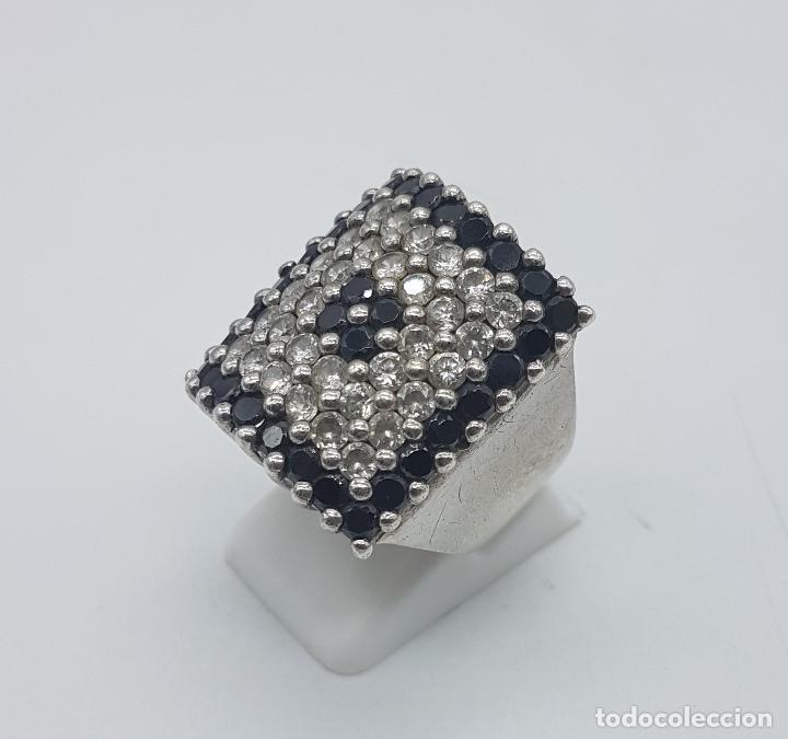 Joyeria: Gran anillo antiguo en plata de ley contrastada y pavé de circonitas y azabache talla brillante . - Foto 2 - 94761547