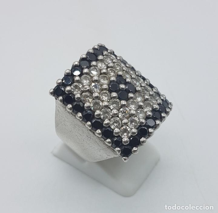 Joyeria: Gran anillo antiguo en plata de ley contrastada y pavé de circonitas y azabache talla brillante . - Foto 4 - 94761547