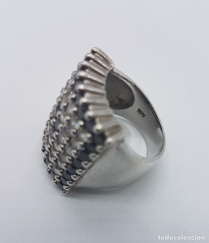Joyeria: Gran anillo antiguo en plata de ley contrastada y pavé de circonitas y azabache talla brillante . - Foto 5 - 94761547