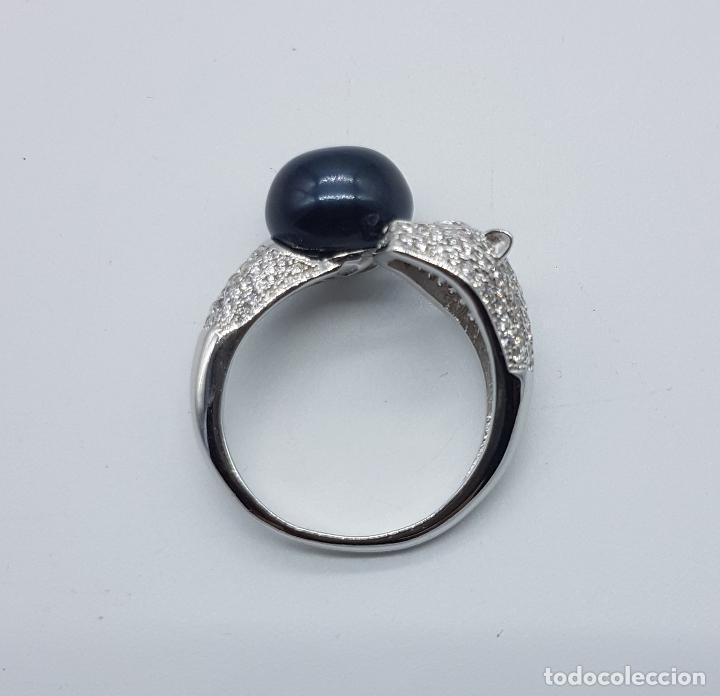 Joyeria: Magnífica sortija vintage en plata de ley de lujo con perla negra auténtica, circonitas y esmeraldas - Foto 5 - 225225677