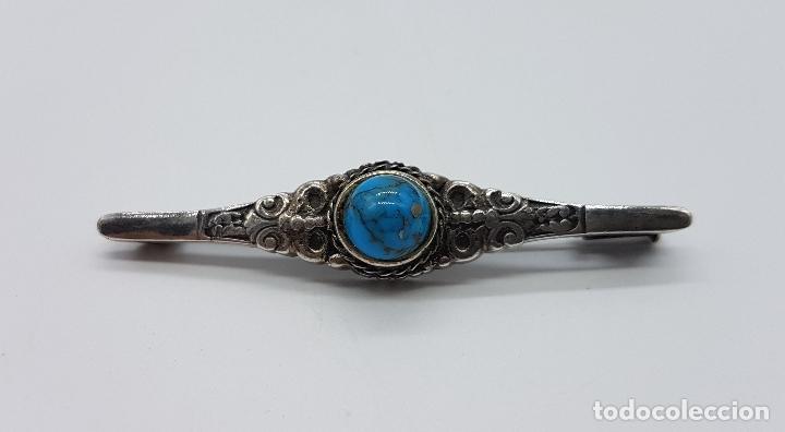 Joyeria: Broche antiguo de estilo imperio en plata de ley repujada con cabujón de turquesa auténtica . - Foto 5 - 94958183