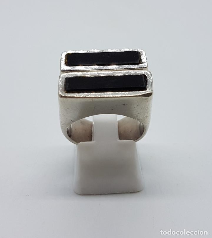 Joyeria: Gran anillo antiguo estilo pop art en plata de ley contrastada y aplicaciones de azabache auténtico. - Foto 2 - 94989847
