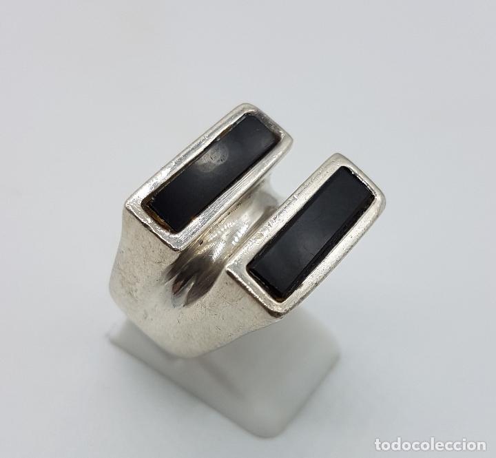 Joyeria: Gran anillo antiguo estilo pop art en plata de ley contrastada y aplicaciones de azabache auténtico. - Foto 3 - 94989847
