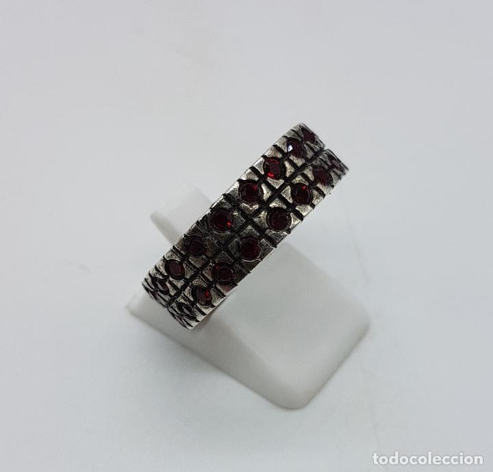 Joyeria: Anillo antiguo en plata de ley contrastada con pavé de granates talla brillante incrustadas . - Foto 4 - 94990331